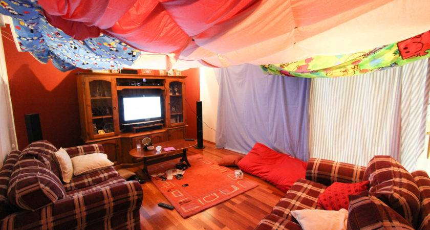 Awesome Diy Forts Can Create Your Kids