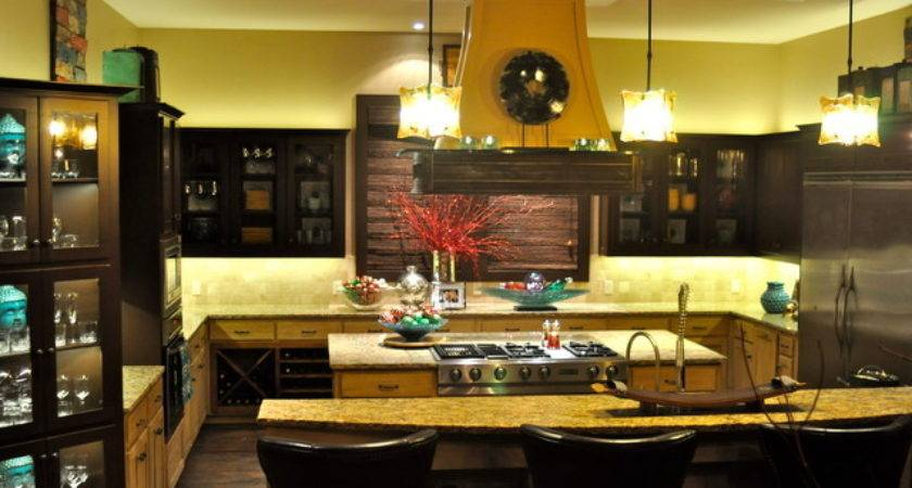 Bachelor Pad Traditional Kitchen Dallas