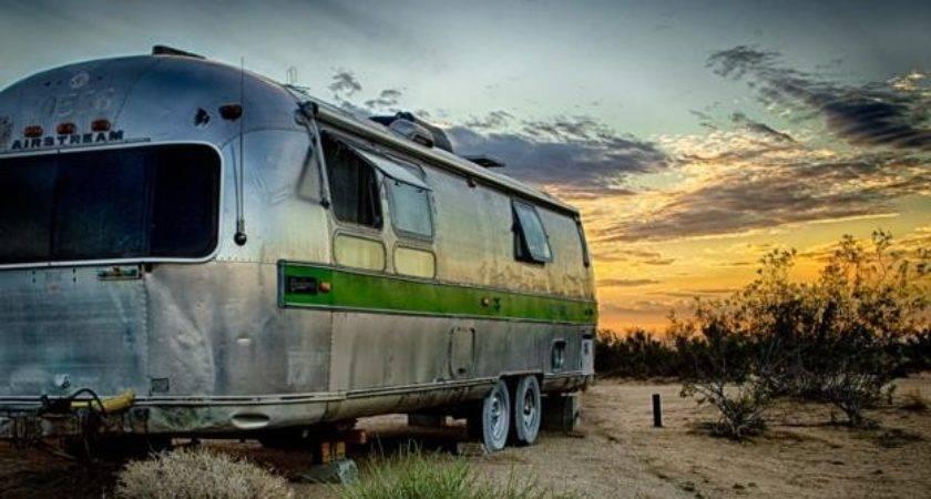 Bbc Autos Airstream Queen Desert