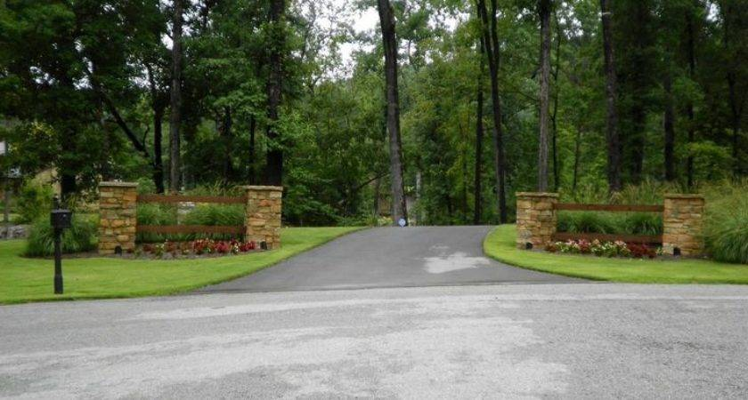 Best Driveway Entrance Landscaping Ideas