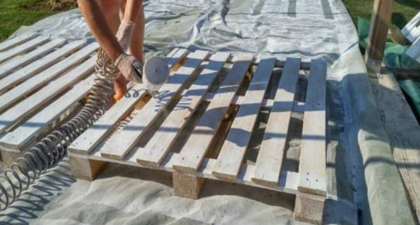 Building Deck Out Recycled Wooden Pallets