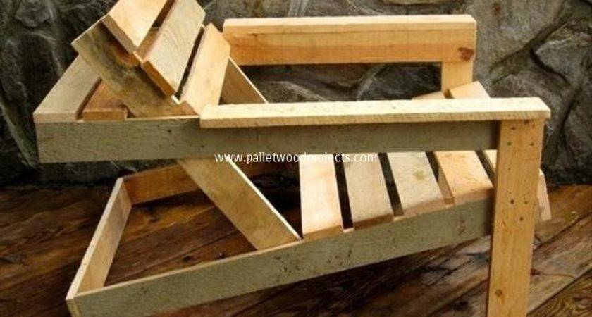 Comfy Recycled Pallet Chairs Wood Projects