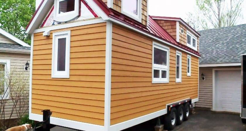 Couple Building Square Foot Dream Home