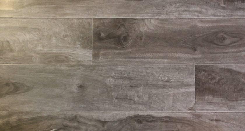 Distressed Laminate Flooring Houses Ideas