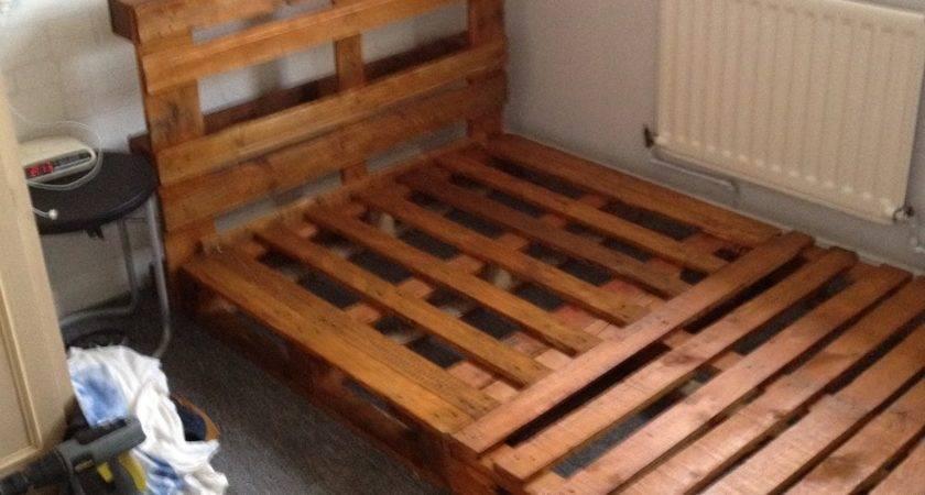 Diy Pallet Bed Bedroom