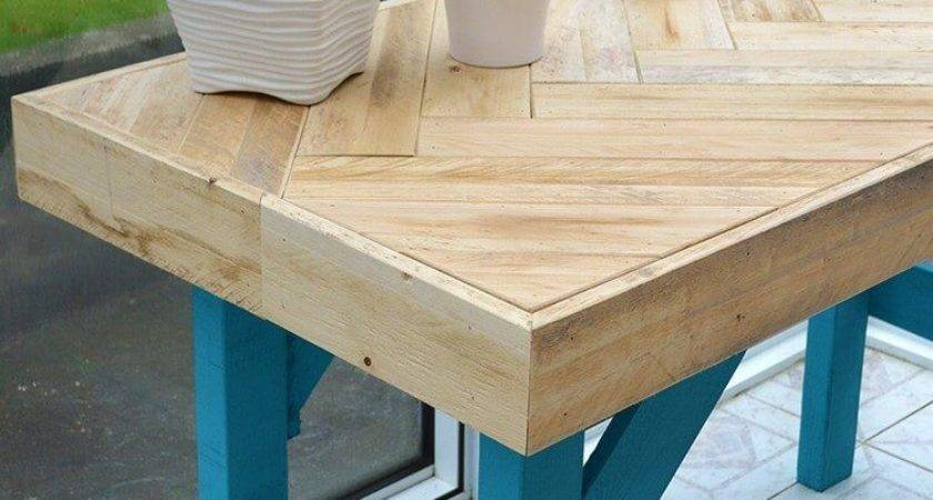 Diy Wooden Table Made Pallet Wood Lovely Greens