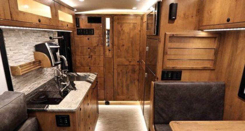 Earthroamer Unveils All New Lts Mobile Home