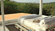 Gardners Bergers Reader Feature Rooftop Pallet Bed
