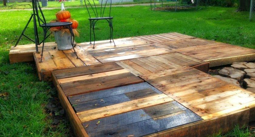 Love Junk Outdoor Pallet Deck Minettes Maze