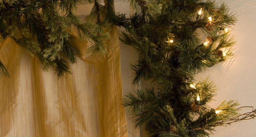Mixed Country Lit Pine Garland Christmas