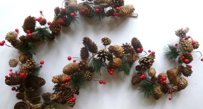 Natural Pine Cone Garland Country Heart