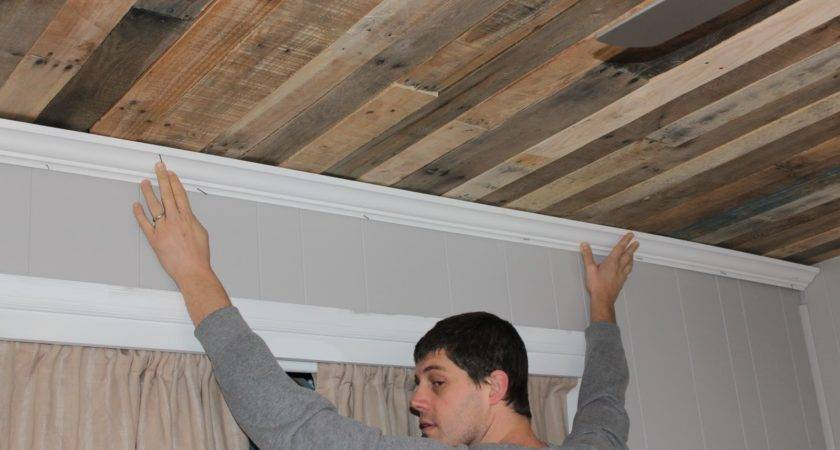 Pallet Rustic Wood Ceiling Tutorial Remodelaholic