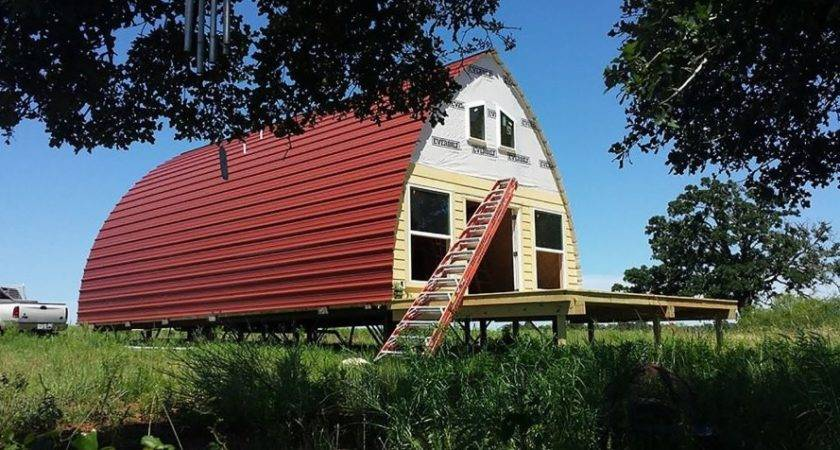 Prefabricated Arched Cabins Can Provide Warm Home