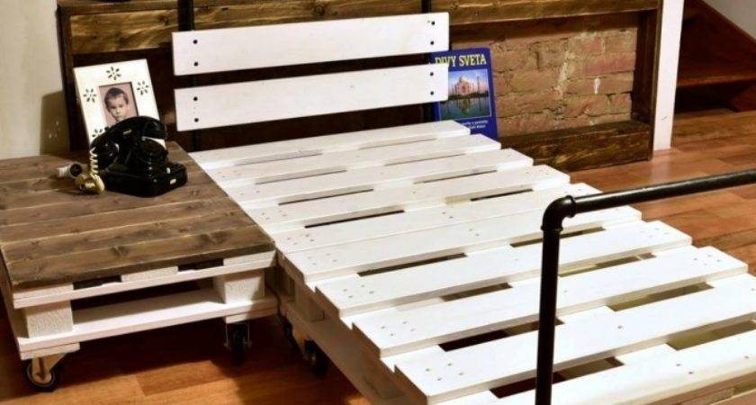 Reclaimed Wood Pallet Bed Pipes Ideas