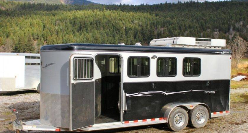 Royal Imperial Deluxe Horse Trailer