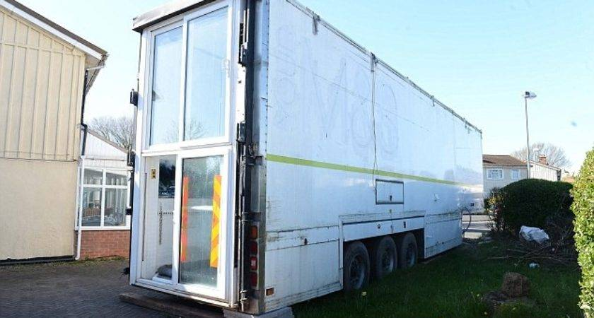 Sheldon Man Converted Lorry Into House Mother