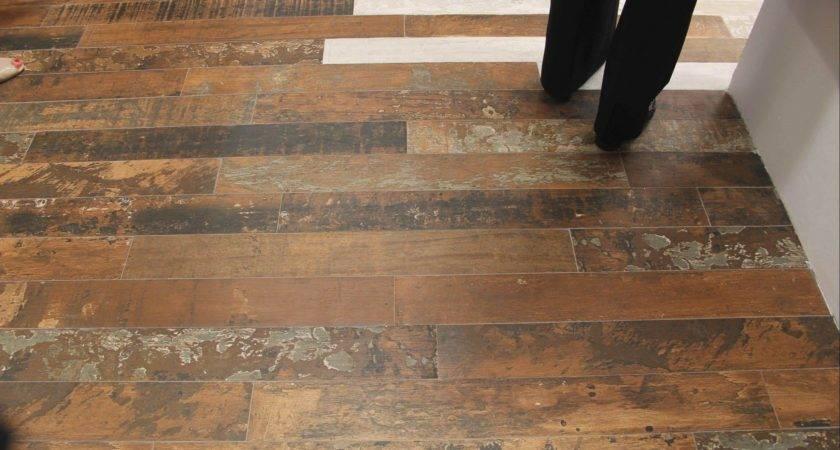 Trends Decoration Vinyl Flooring Looks Like Wood
