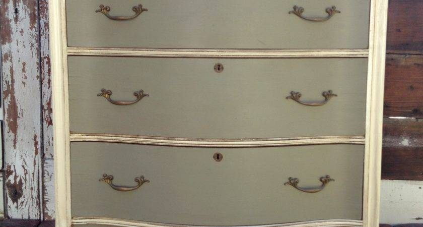 Using Minwax Age Painted Furniture