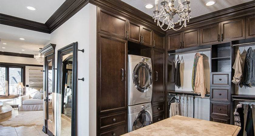 Vast Master Closet Glamour Paired Innovative