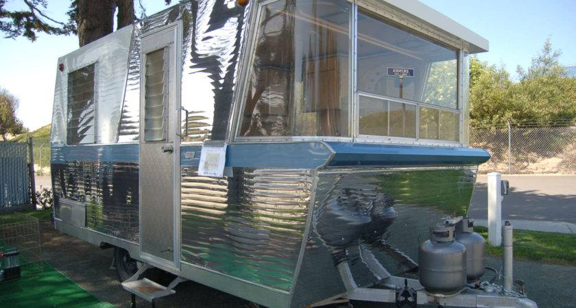 Vintage Holiday House Trailer History