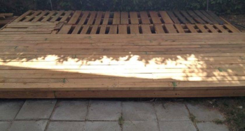 Wood Pallet Backyard Deck Steps